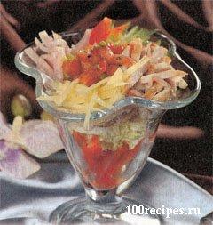 Салат-коктейль с соусом табаско.